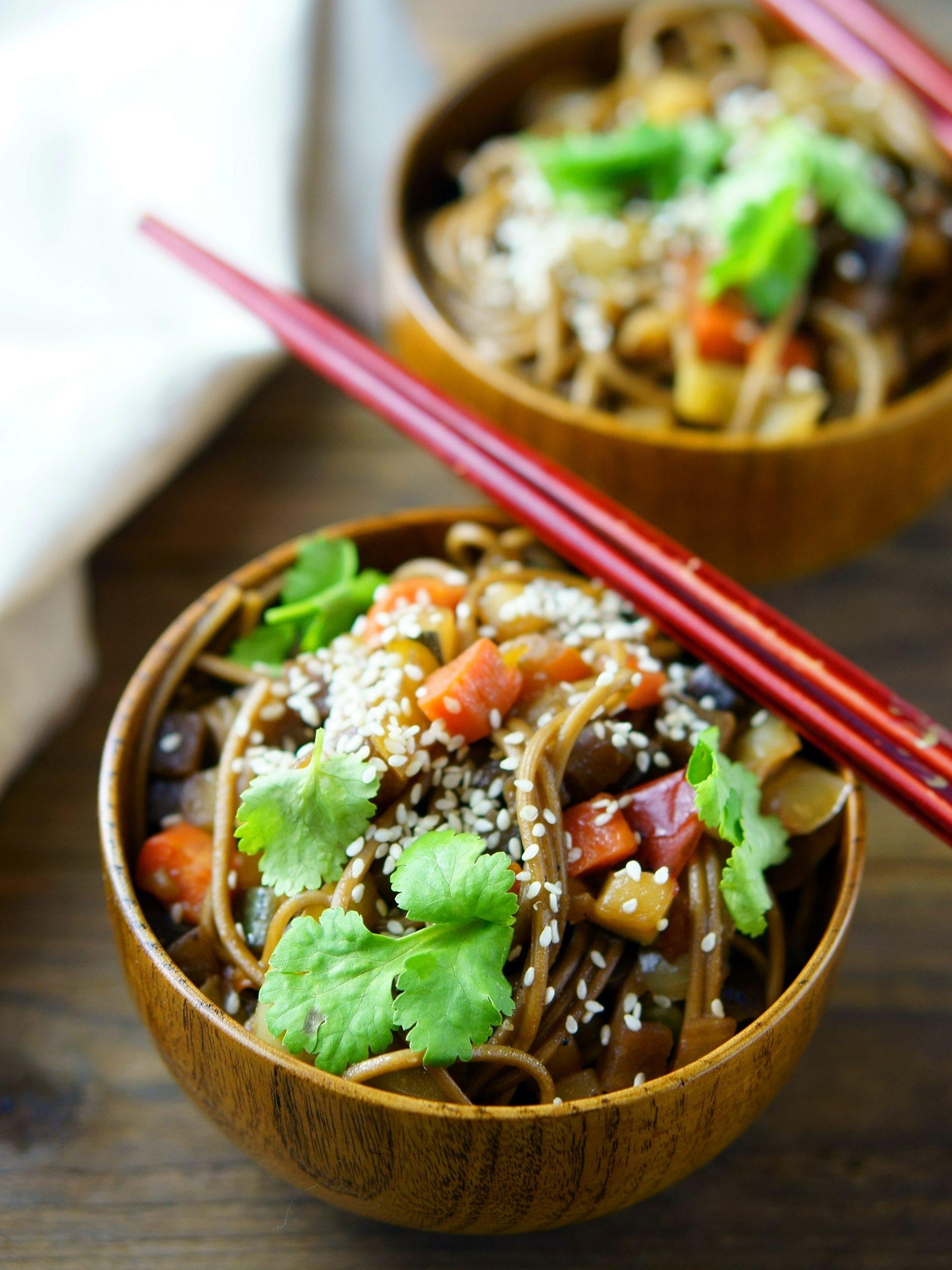 La ensalada china, plato estrella para este caluroso agosto - Restaurante Buen Gusto